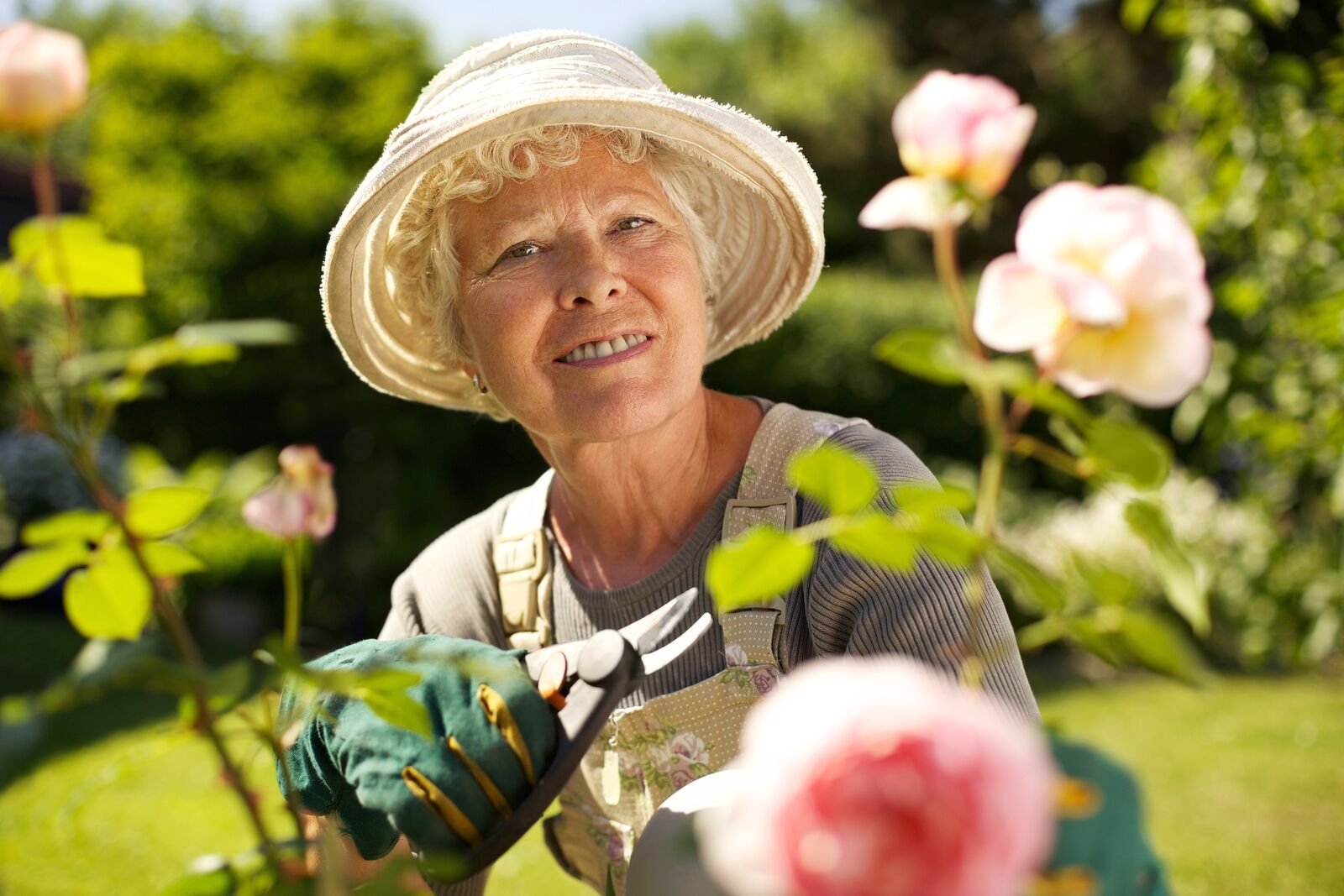 Senior Care in Commack NY: Senior Benefits Of Outdoor Activities