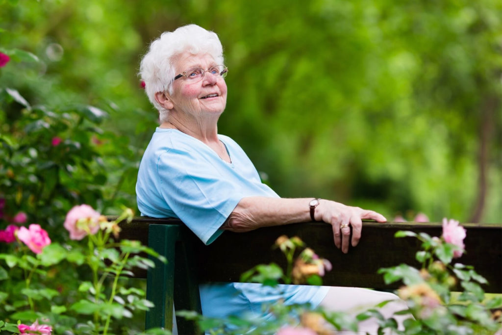 Home Care in Bellmore NY: Senior Outside Tips