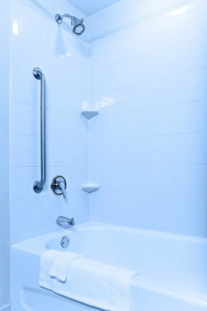 Caregiver in Valley Stream NY: Bath or Shower